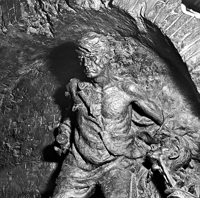 Хайп на костях: какие мифы об обороне Брестской крепости пытался развеять Ганцер?