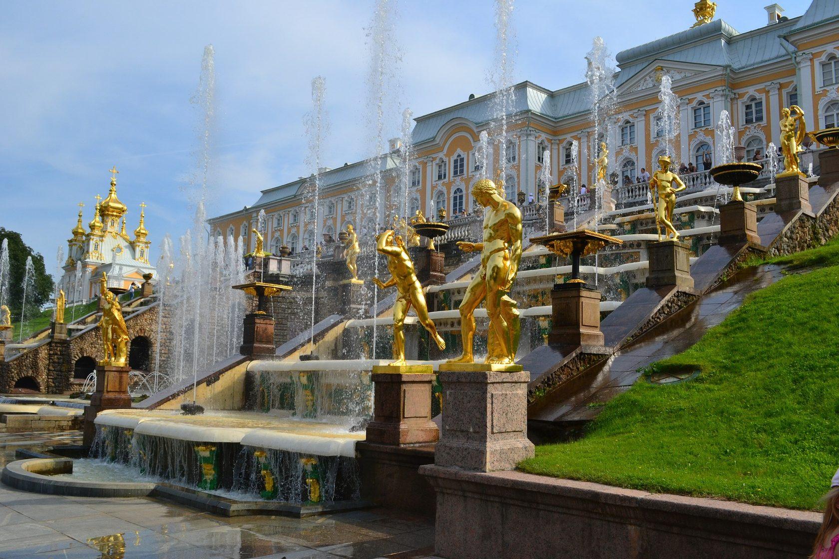 Peterhof - bảo tàng được Nga khách thăm nhiều nhất trong năm 2018